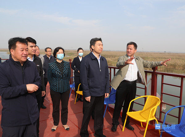 李宽端到自然保护区调研生态修复和旅游情况