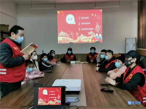 文汇街道东旭社区:诵读红色…